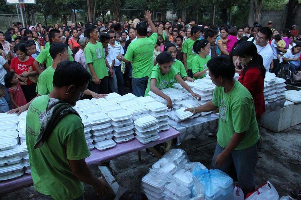 hands-of-mercy-christmas-feeding-program-cebu-philippines-0159