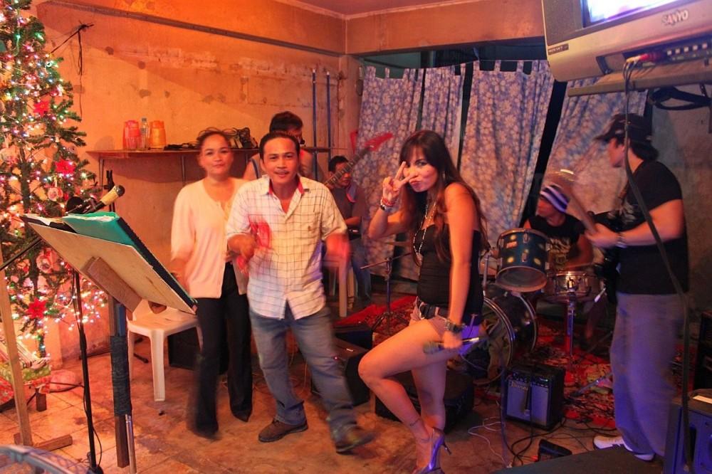 merlenes-eatery-live-band-cebu-nov-27-2010-037