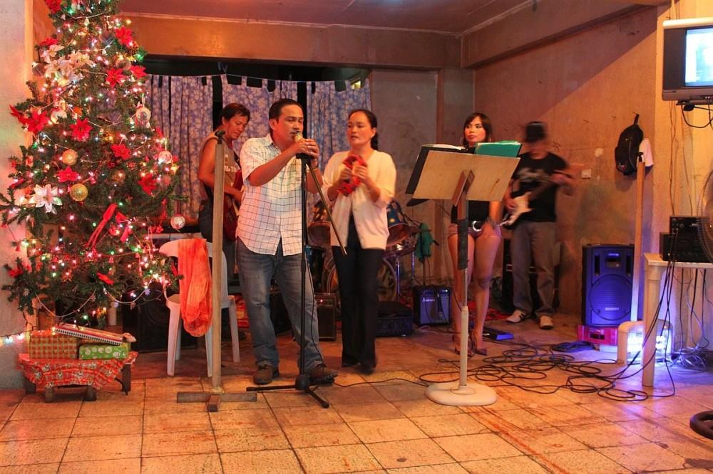 merlenes-eatery-live-band-cebu-nov-27-2010-109